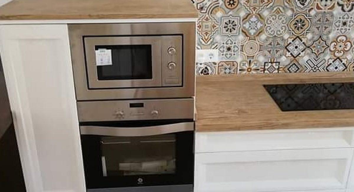 Mutfak tezgah üstü, mutfak dolap arası fayans, desenli mutfak karoları